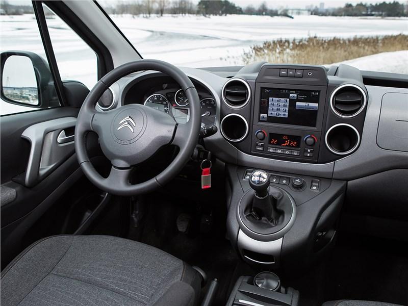 Citroen Berlingo 2015 водительское место