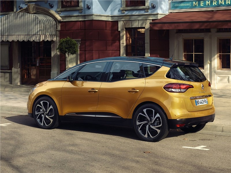 Renault Scenic 2017 вид сбоку сзади