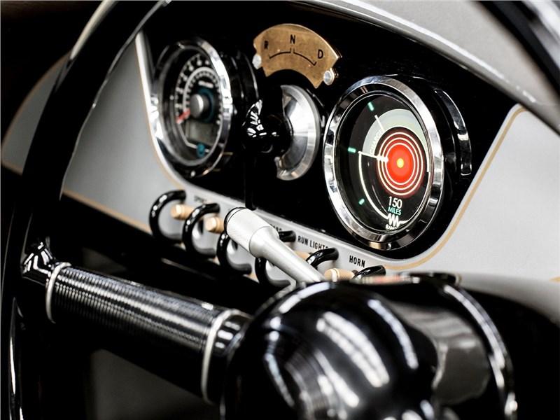 Morgan EV3 2017 панель приборов