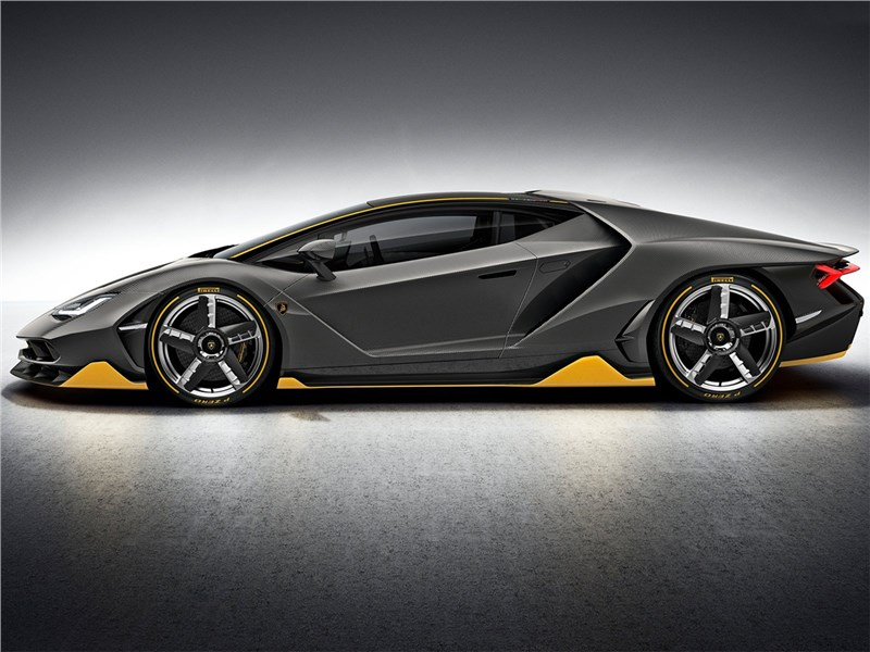 Lamborghini Centenario LP770-4 2017 вид сбоку