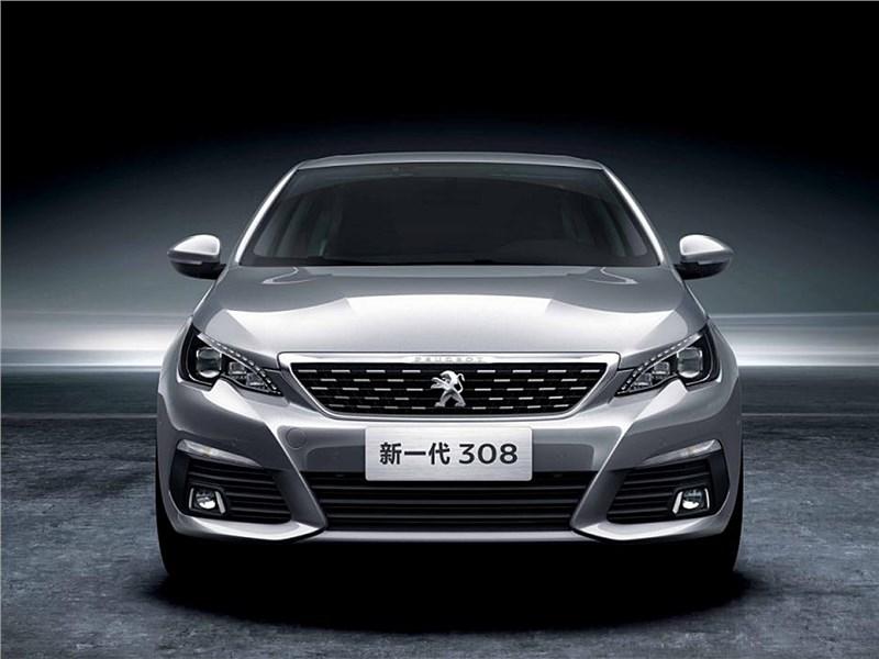 Peugeot 308 2016 вид спереди
