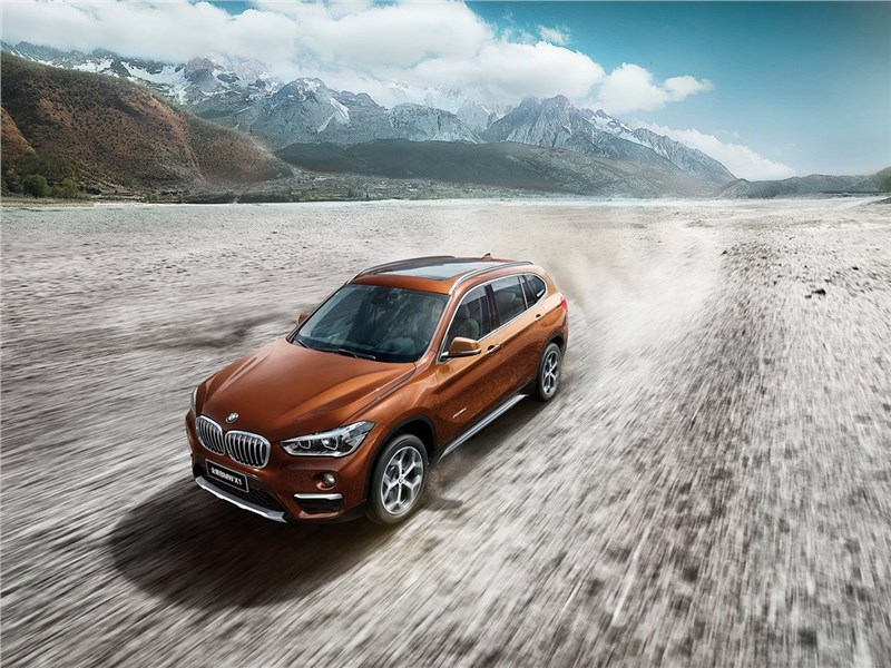 BMW X1 Long Wheelbase 2017 вид сверху