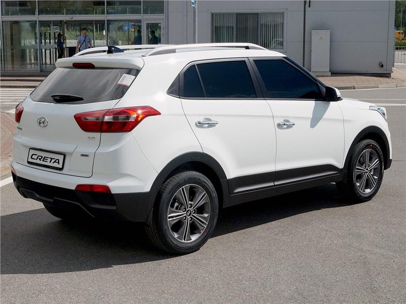 Hyundai Creta 2016 вид сзади сбоку