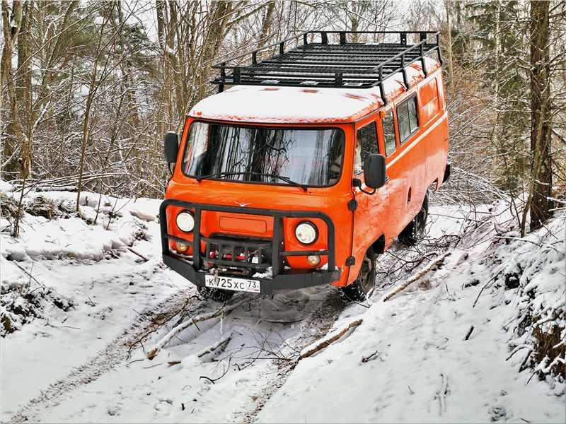 УАЗ 39099 «Экспедиция» (2018) вид спереди