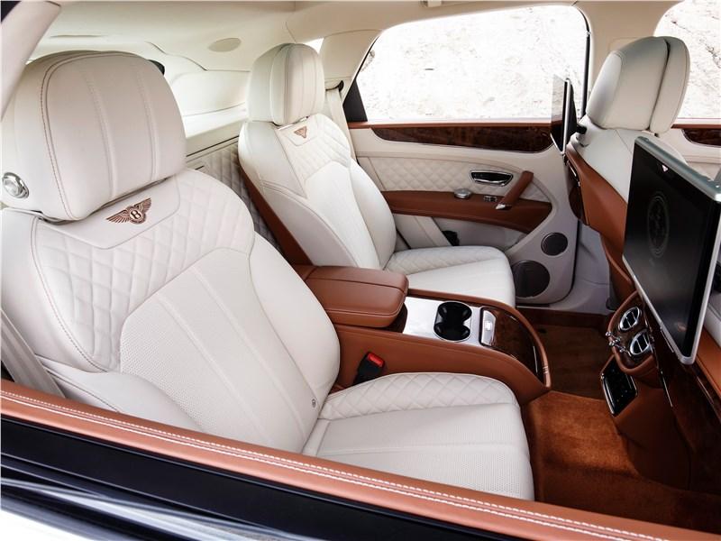Bentley Bentayga 2016 места для пассажиров