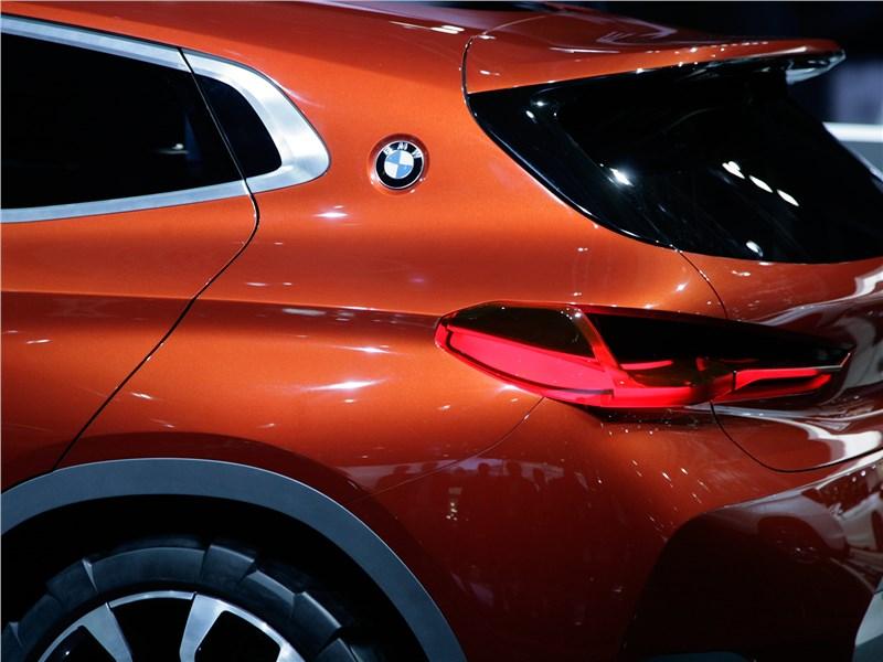 BMW X2 concept 2016 задний фонарь