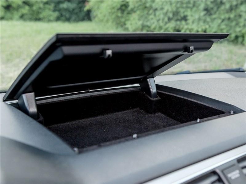 Volkswagen Caddy Maxi 2016 ящик на торпедо