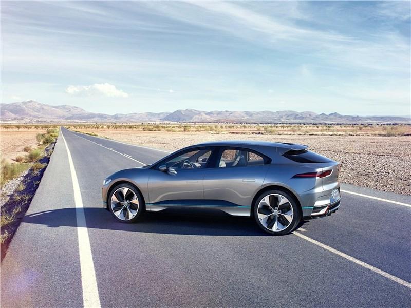 Jaguar I-Pace Concept 2016 вид сбоку сзади