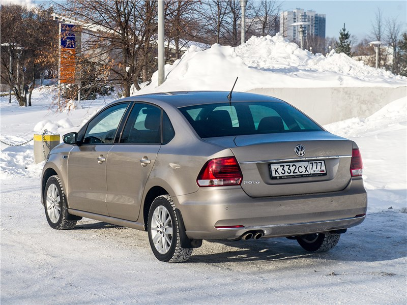 Volkswagen Polo Sedan 2016 вид сзади