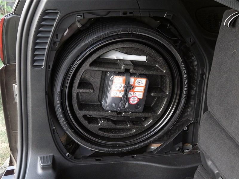 Chrysler Pacifica 2017 запасное колесо
