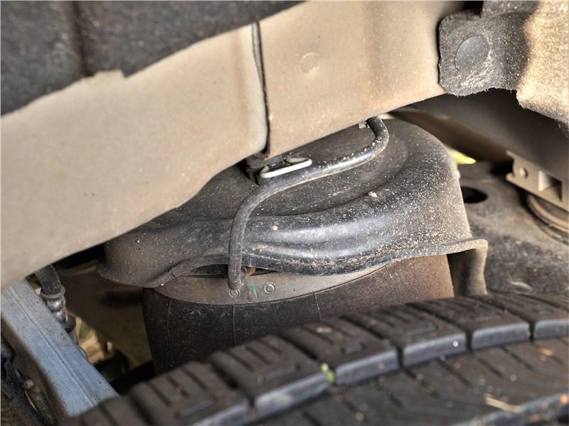 Land Rover Defender 90 (2020) передняя подвеска