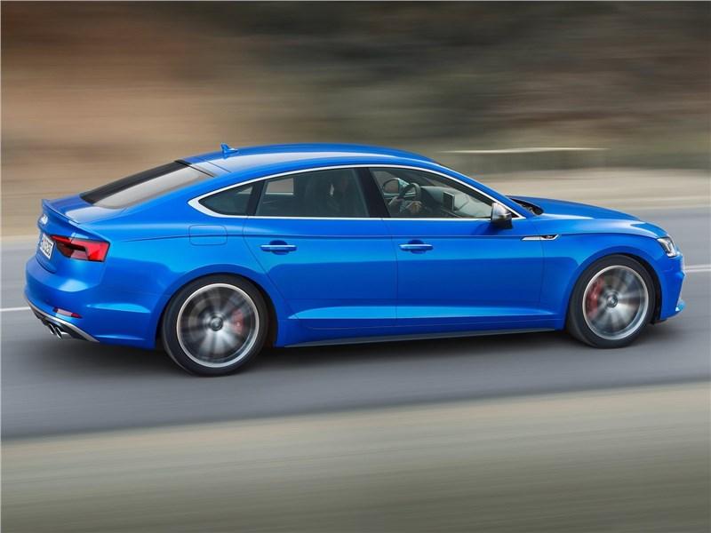 Audi S5 Sportback 2017 вид сбоку