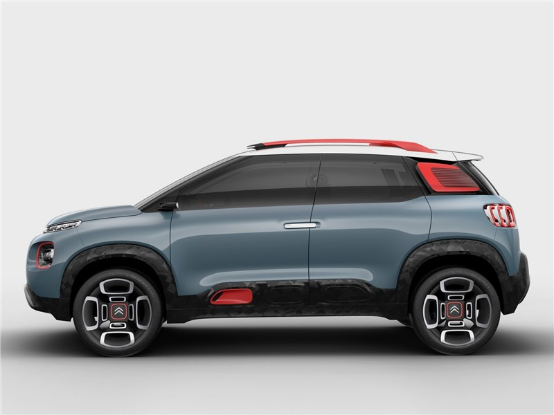 Citroen C-Aircross Concept 2017 вид сбоку