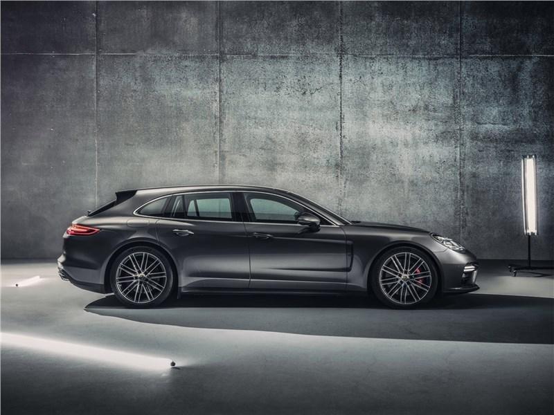 Porsche Panamera Sport Turismo 2018 вид сбоку