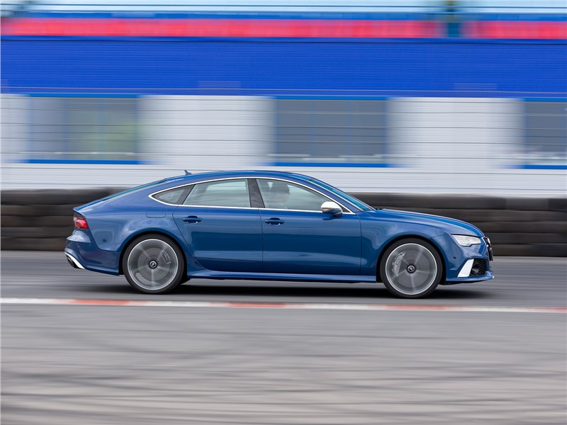 Audi RS 7 Sportback performance 2016 вид сбоку