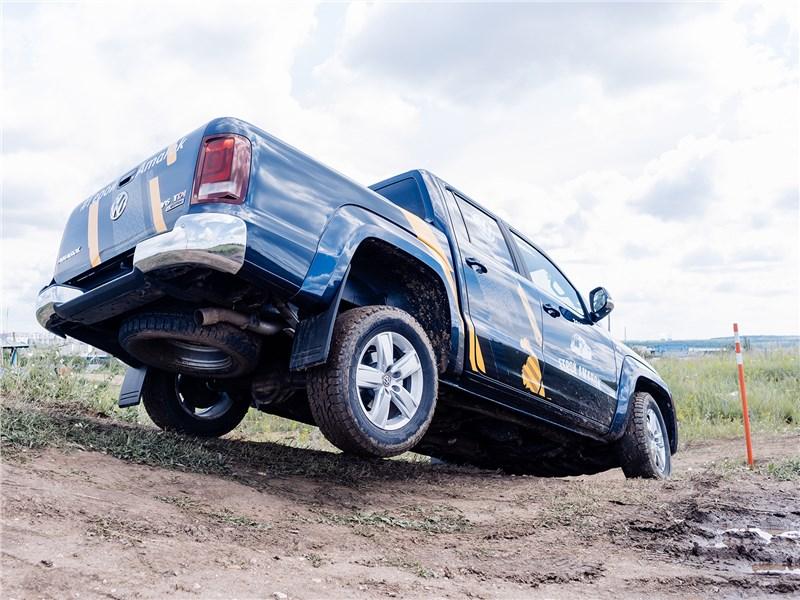 Volkswagen Amarok 2017 вид сзади