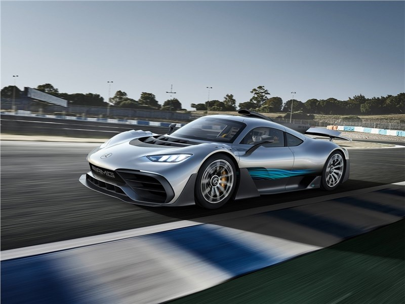 Mercedes-Benz AMG Project ONE Concept 2017 вид сбоку