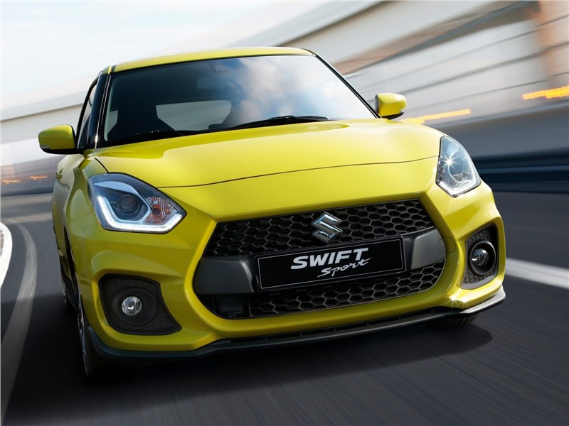 Suzuki Swift Sport 2018 вид спереди