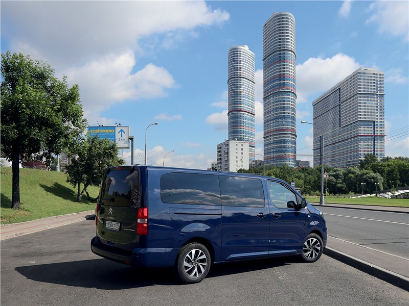 Citroen SpaceTourer 2016 вид сзади
