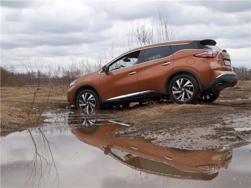 Nissan Murano 2016 вид сбоку