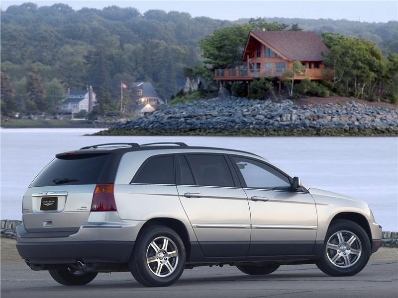 Chrysler Pacifica 2007 вид сзади