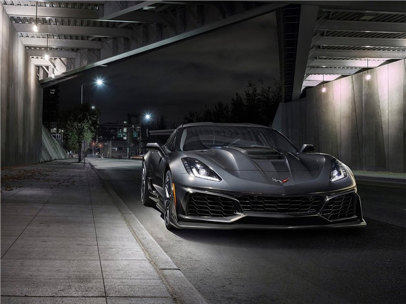 Chevrolet Corvette ZR1 2019 вид спереди