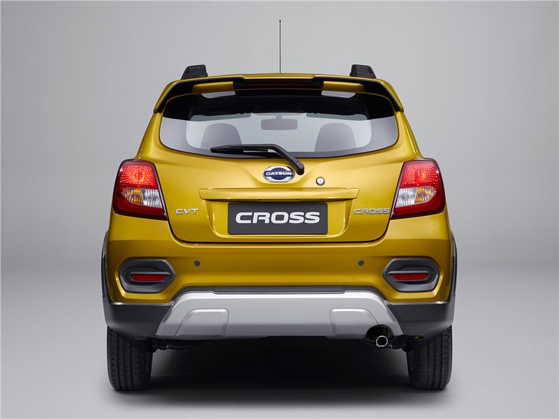 Datsun Cross 2018 вид сзади