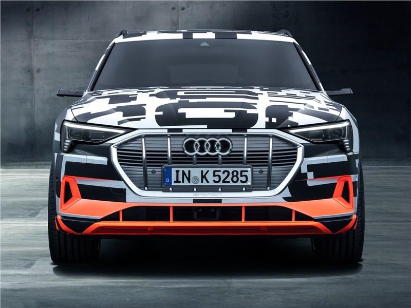 Audi e-tron Concept 2018 вид спереди