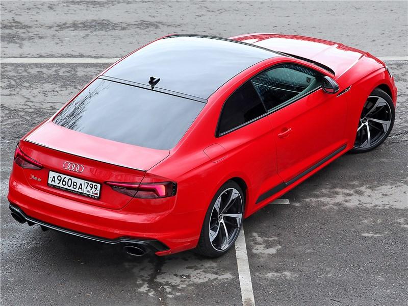 Audi RS5 2018 вид сверху