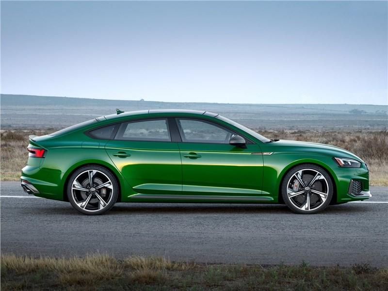 Audi RS5 Sportback 2019 вид сбоку