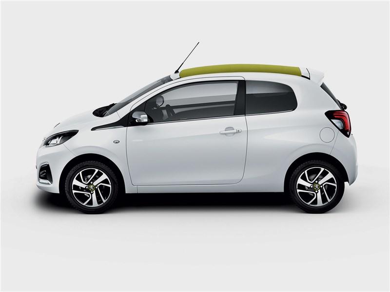 Peugeot 108 2019 вид сбоку