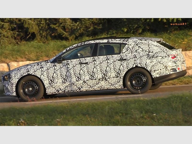 На дорогах Германии шпионы засекли новый Mercedes-Benz CLA Shooting Brake