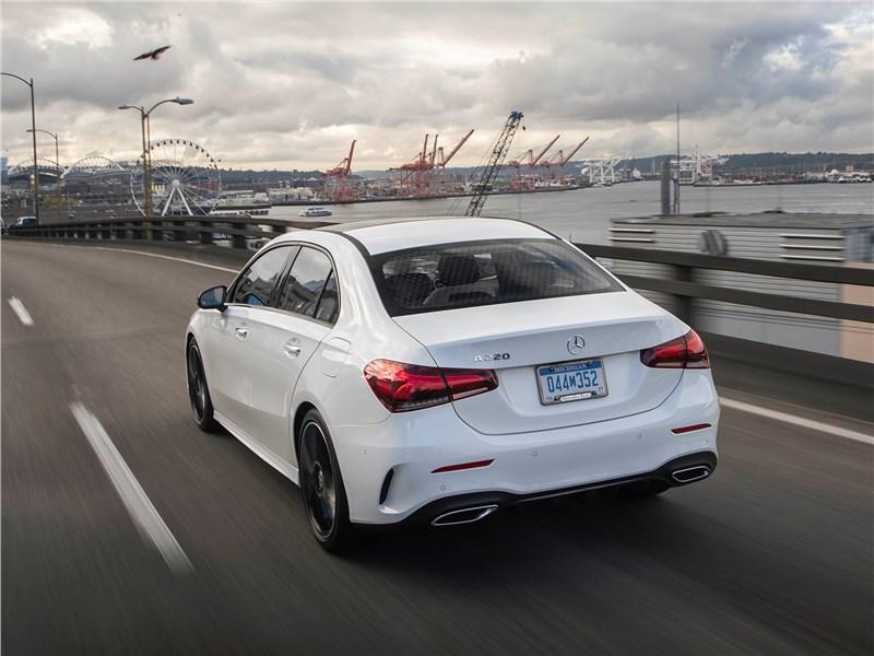 Mercedes-Benz A-Class 2019 вид сзади