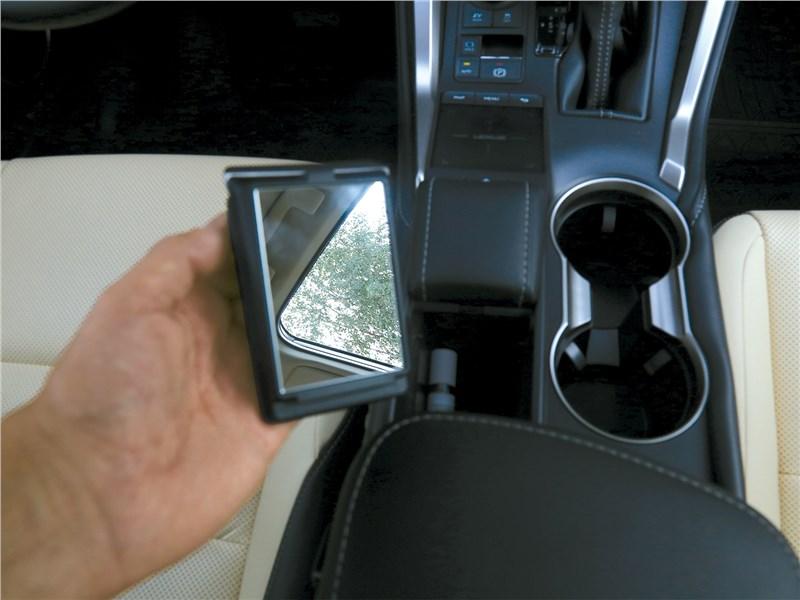 Lexus NX 2018 NX 300H штатное зеркальце