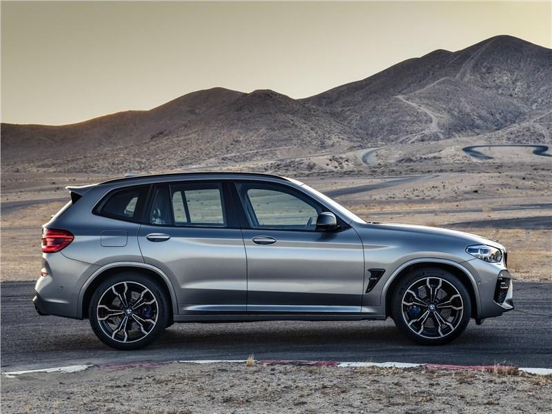 BMW X3 M Competition 2020 вид сбоку