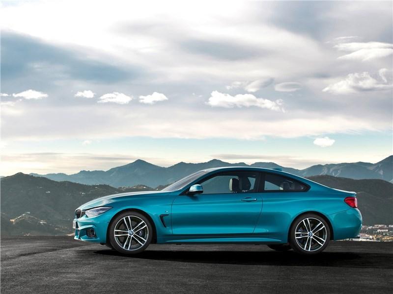 BMW 4-Series Coupe 2018 вид сбоку