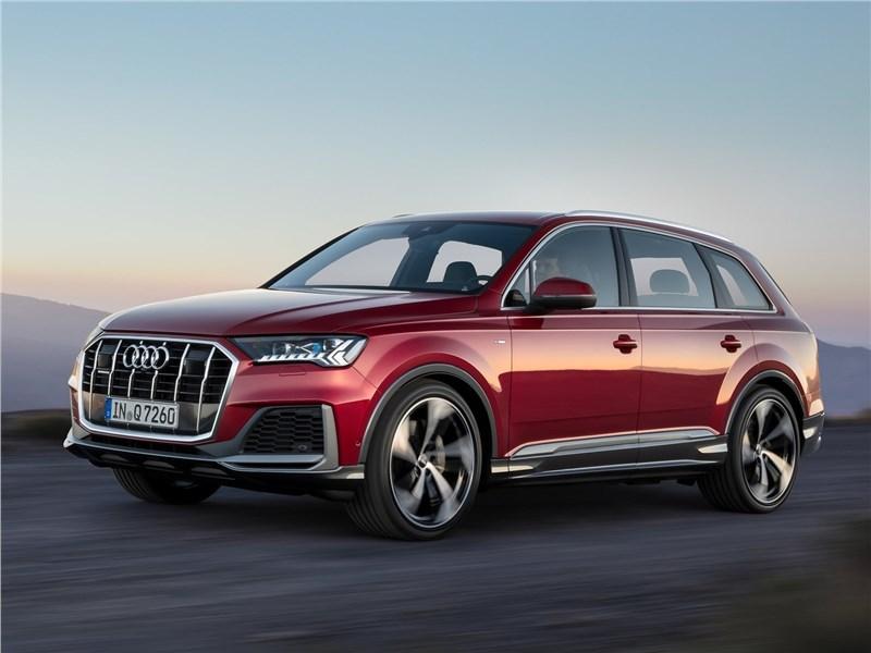 Audi Q7 2020 вид спереди сбоку