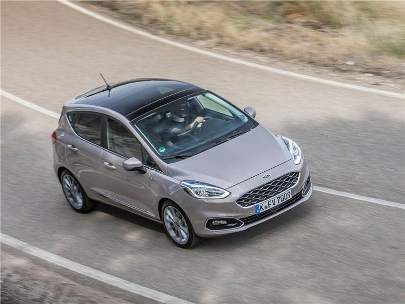 Ford Fiesta 2017 вид сверху