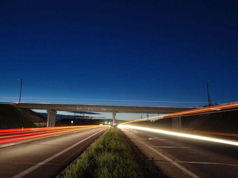 На российских дорогах можно ездить со скоростью 150 километров в час
