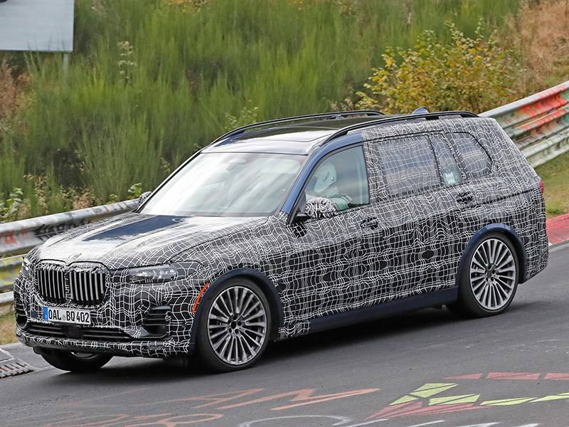 Alpina вывела на тесты 600-сильную BMW X7