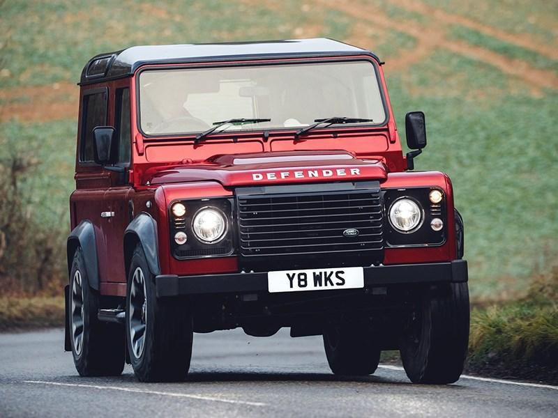 Land Rover улучшил классический Defender для езды по обычным дорогам