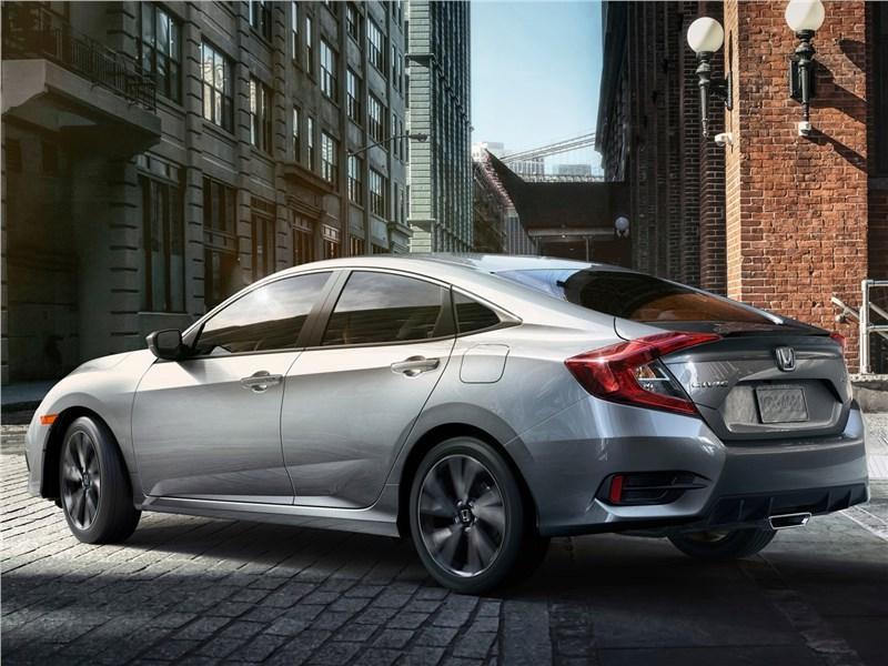 Honda Civic Sedan 2019 вид сзади