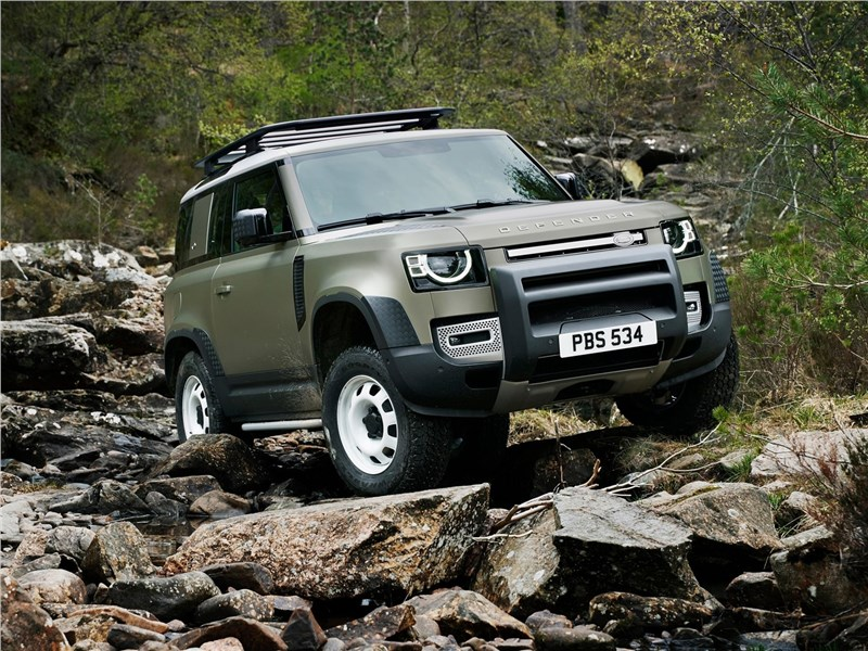 Land Rover Defender 90 2020 вид спереди