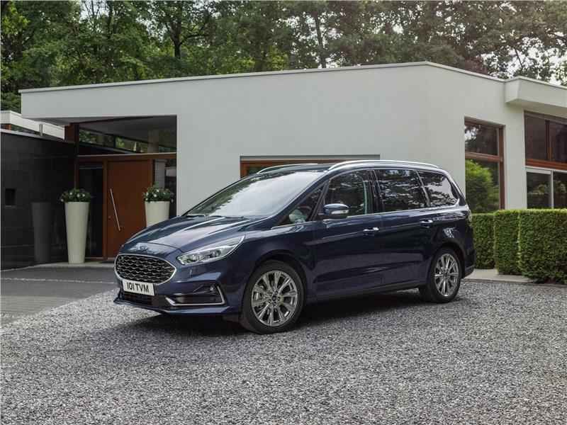 Ford Galaxy 2020 вид спереди сбоку