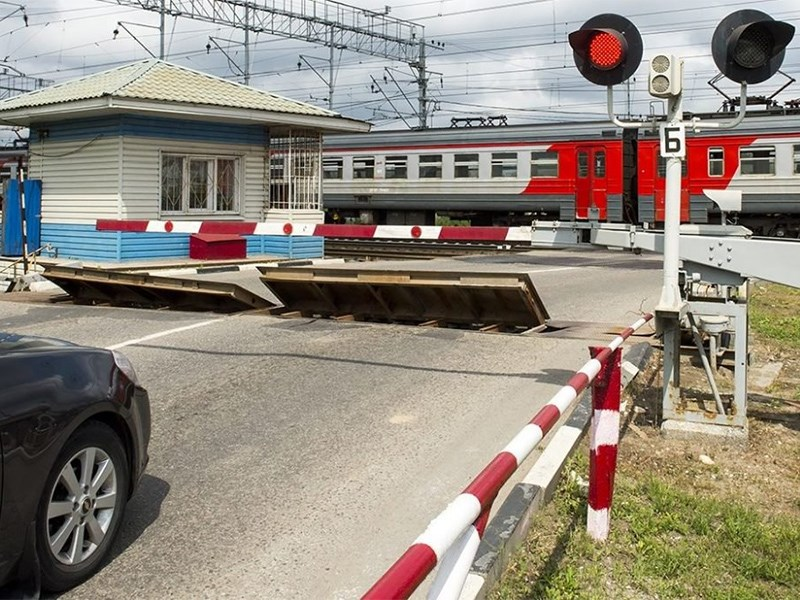 Железнодорожные переезды оборудуют камерами