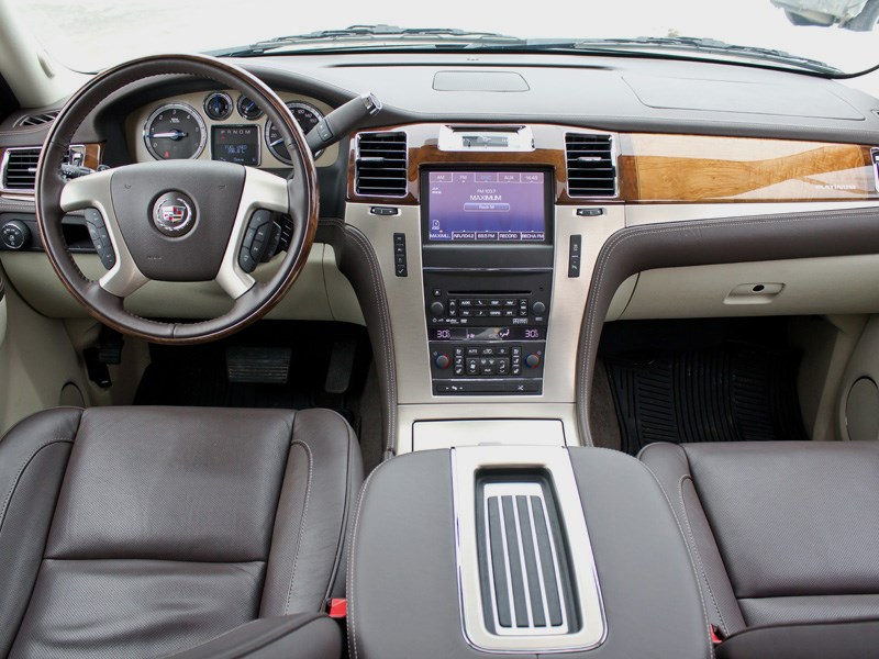 Cadillac Escalade 2009 водительское место