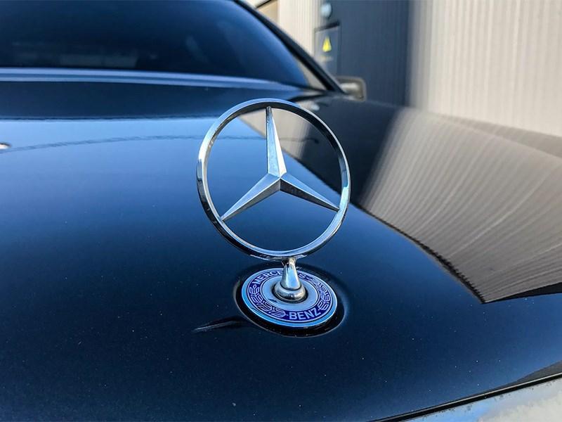 Mercedes судится с мобильным телефоном