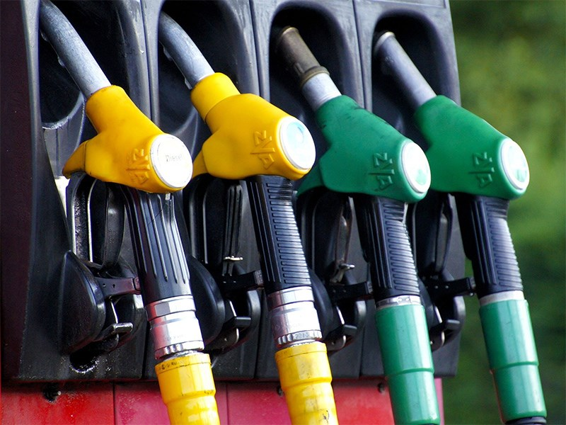 На АЗС запретят продавать неавтомобильное топливо