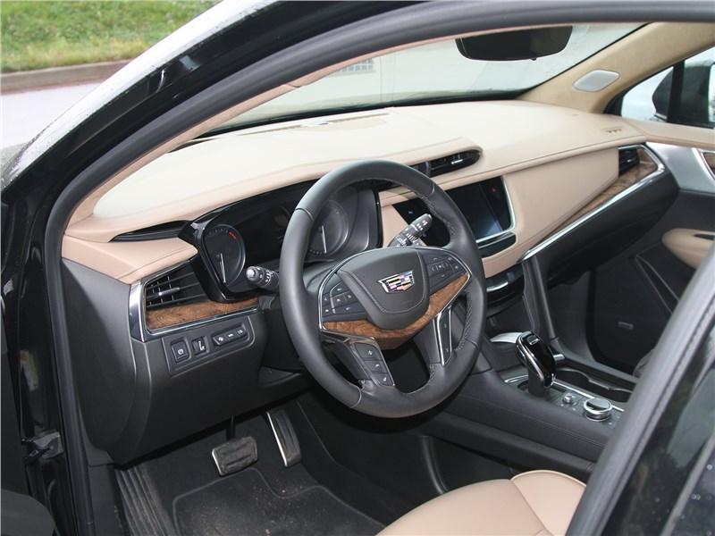 Cadillac XT5 2020 салон