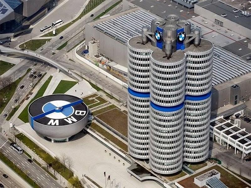 BMW собирается идти в полную электрификацию